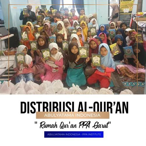 Distribusi Al Qur`an untuk santri RQPPA Garut