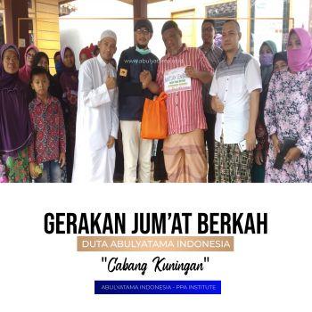 Gerakan Jumat Berkah (GJB) Berbagi paket sembako untuk Mualaf Dan duafa